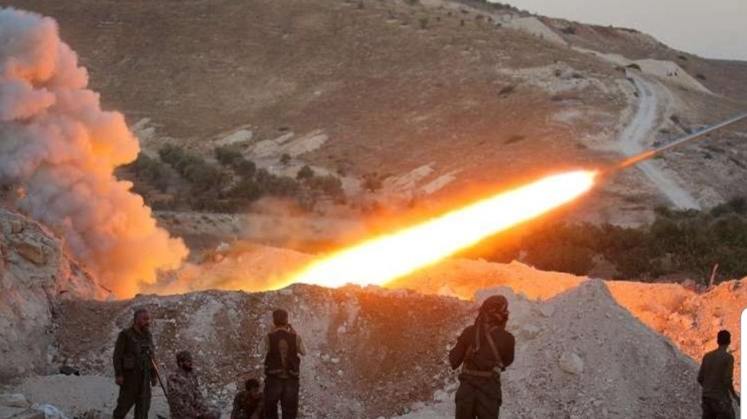 """مصدر عسكري : الجيش السوري يحبط محاولة تسلل لمسلحي """"جبهة النصرة"""" باتجاه إحدى نقاطه في ريف حماة"""