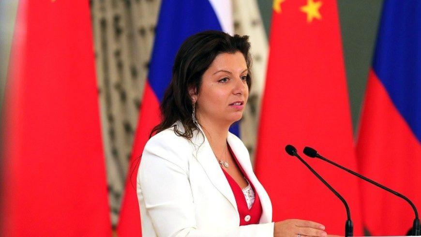 مرغريتا سيمونيان عن أسانج: اليوم انتصر النفاق!