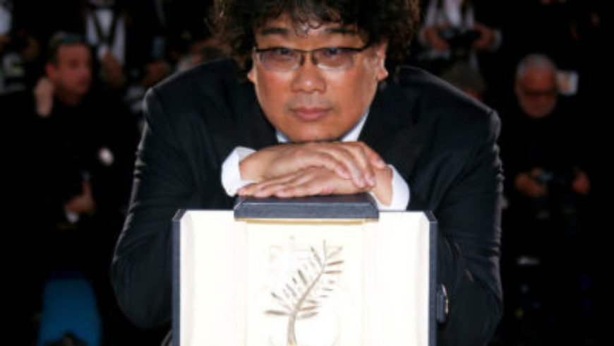 """فيلم """"الطفيلي"""" للمخرج الكوري الجنوبي يفوز بسعفة """"كان"""" الذهبية"""