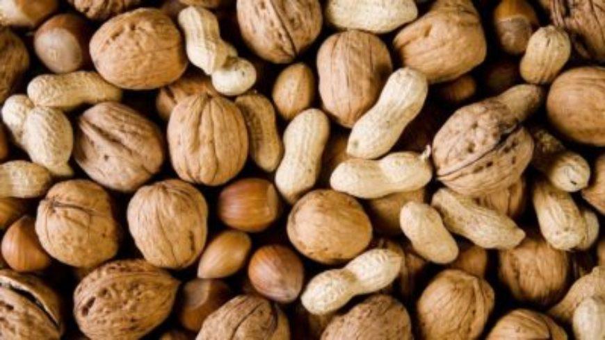 الإفراط بتناول المكسرات يحفز سرطان الكبد