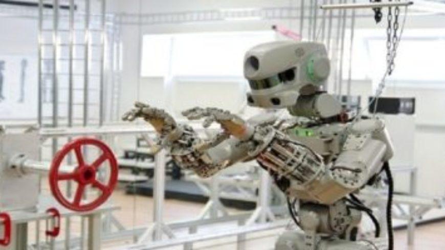 باحثون روس يطورون روبوتاً يتكيف مع ظروف العمل بالمحطة الفضائية الدولية
