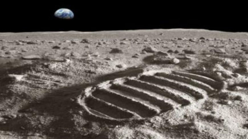"""اكتشاف غامض أسفل """"أكبر حفرة في النظام الشمسي""""!"""
