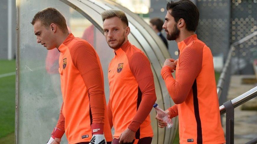 برشلونة يسابق الزمن للتخلص من 7 لاعبين