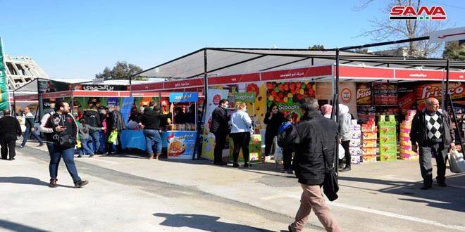بمشاركة نحو 200 شركة .. البيع بسعر التكلفة في سوق رمضان الخيري على أرض المعرض القديم بدمشق.موقع أصدقاء سورية.