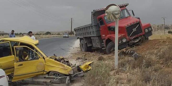 وفاة ثلاثة أشخاص بينهم طفل في حادث على طريق صيدنايا رنكوس.موقع أصدقاء سورية.