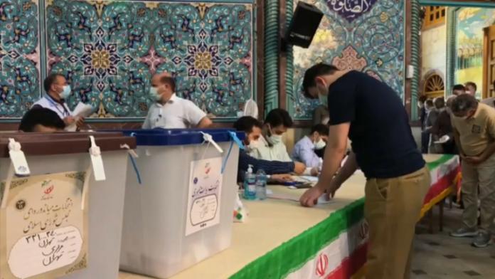 إيران تشهد انتخابات رئاسية وخامنئي يدعو لمشاركة واسعة.موقع أصدقاء سورية.