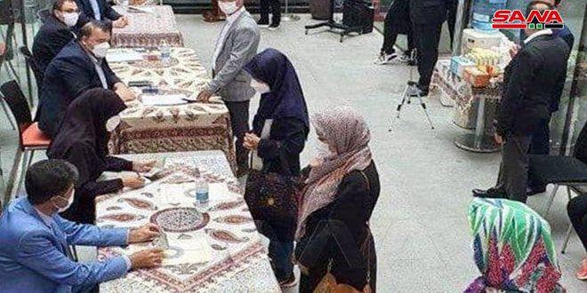 تمديد الانتخابات الرئاسية في إيران… الخامنئي يؤكد على المشاركة الواسعة.. والمرشحون يتعهدون بخدمة الشعب.موقع أصدقاء سورية.