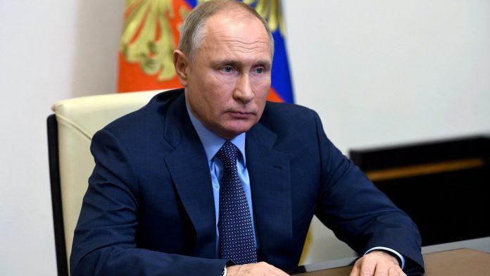 بوتين للأسد في الكرملين: مشكلة سوريا الأساسية هي الوجود غير الشرعي لقوات أجنبية على أراضيها.موقع أصدقاء سورية.